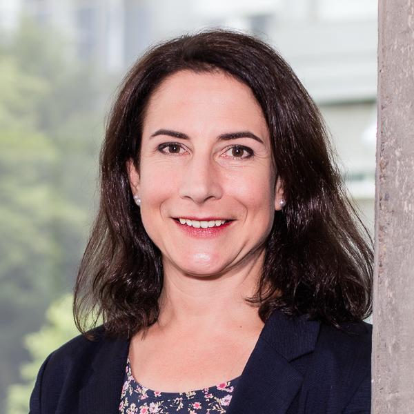 Dr. Bettina Huber Geschäftsführerin Kliniken für Schlafmedizin Portrait